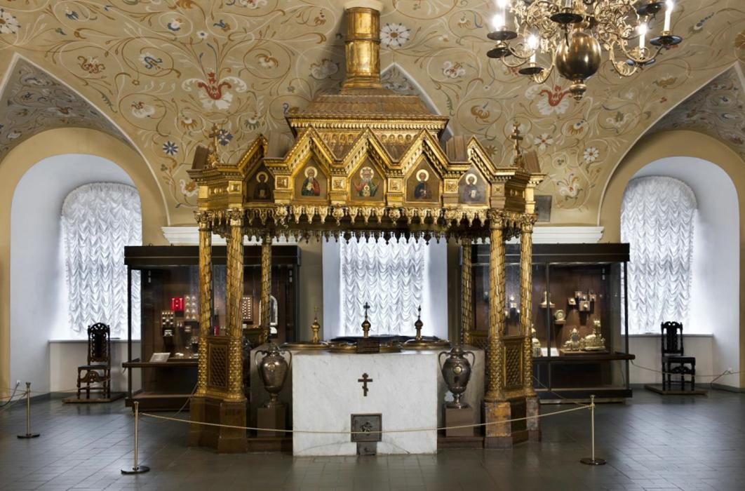 Мироваренная печь под сенью. Источник: patriarchs-palace.kreml.ru