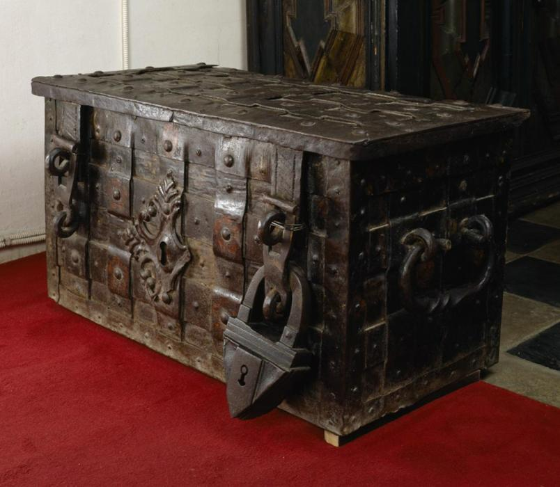 Metal forged painted chest